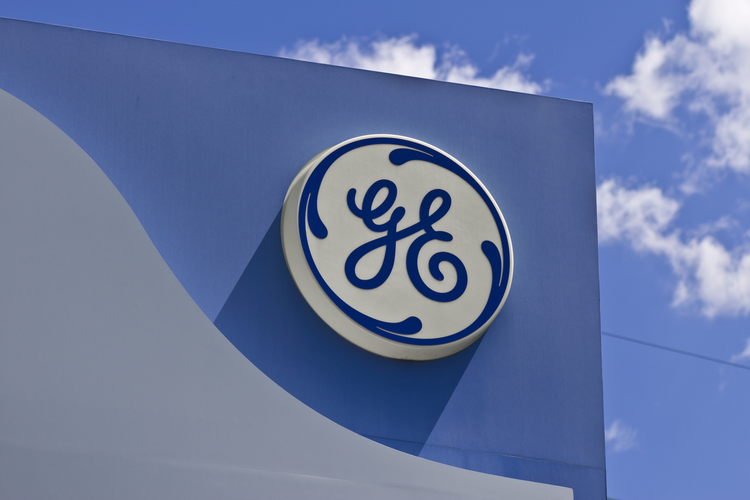 Short Interest in Baker Hughes, a GE company (BHGE) Declines By 40.3%