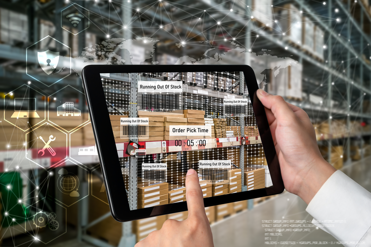 Augmented Reality checking stock
