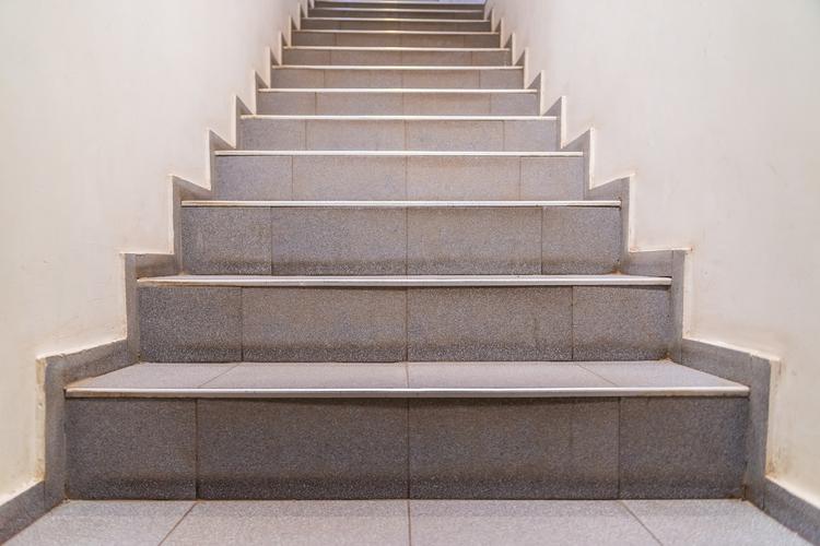 Stair Manufacturer to Add 200 Jobs