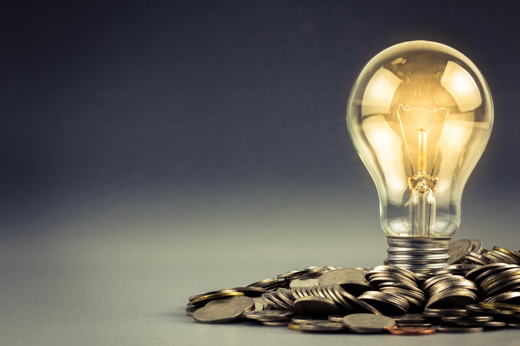 10 Energy-Saving Tips to Reduce Your Energy Costs
