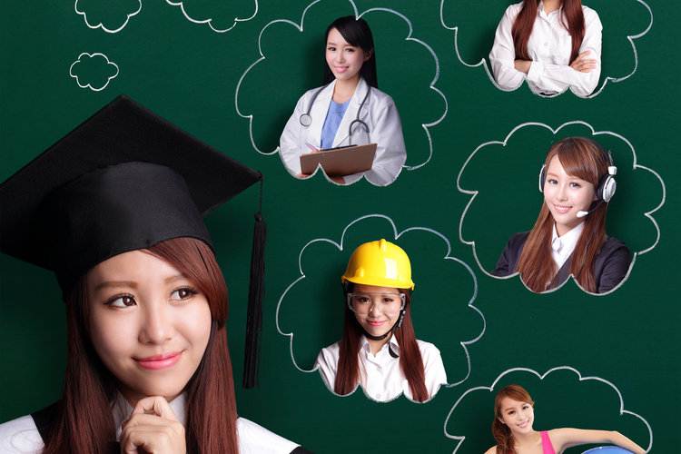 How to Recruit New College Graduates for Open Jobs at Your Industrial Business