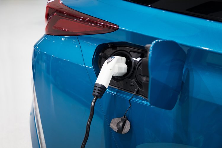 Hydrogen fuel cell vehicle charging