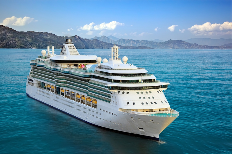 Cruising in Style, Sustainably: Supply Energy-Efficient Power for Cruise Ships