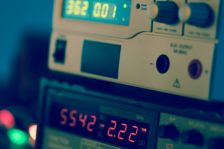 Display of electronic measuring instrument.