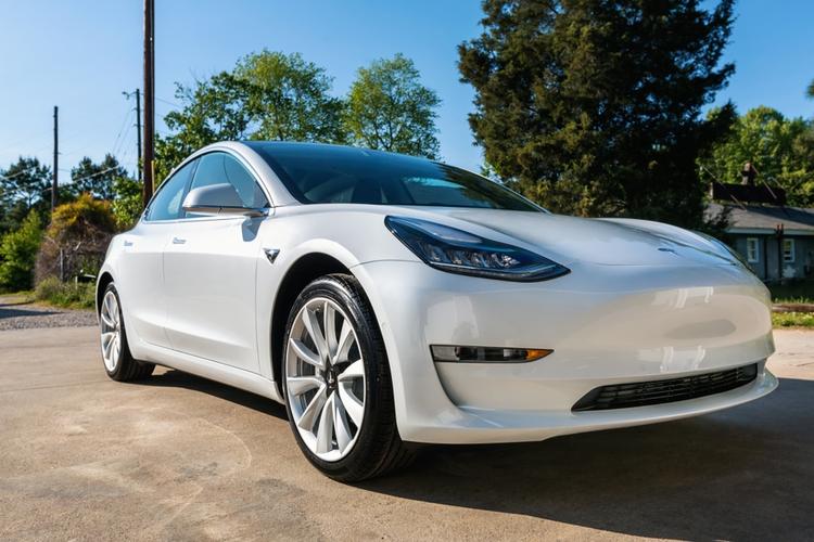 Tesla's Model 3 Outsells Most Sedans in Latest Quarter