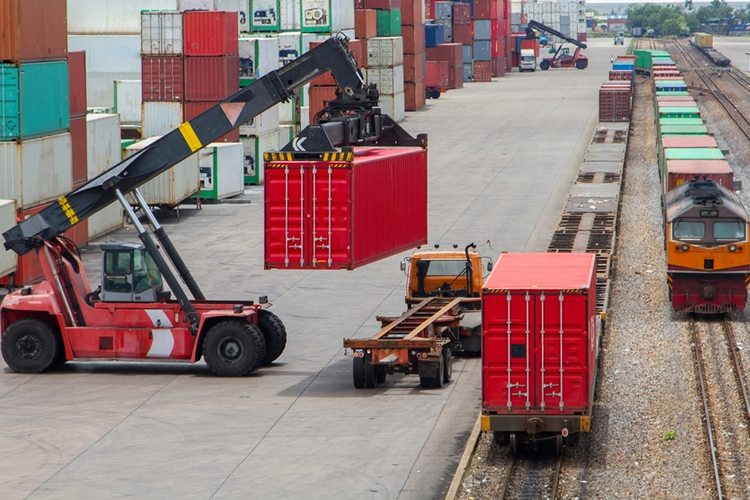 Reducing Material Handling Costs in the Supply Chain
