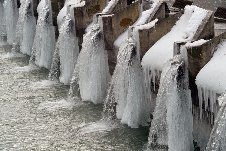 How Freezing Temperatures Impact Industrial Water Tank