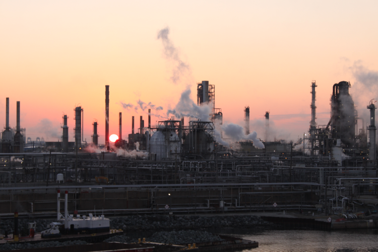 Shutdown from Refinery Explosion Impacting East Coast Supply Chain