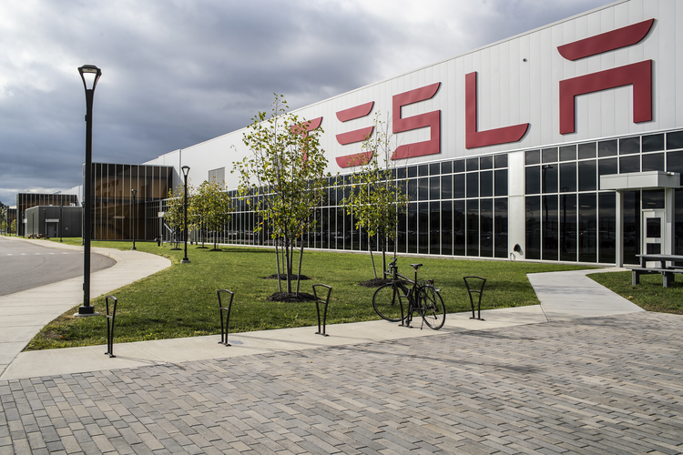 Tesla Looks to Produce Its Own Batteries in California