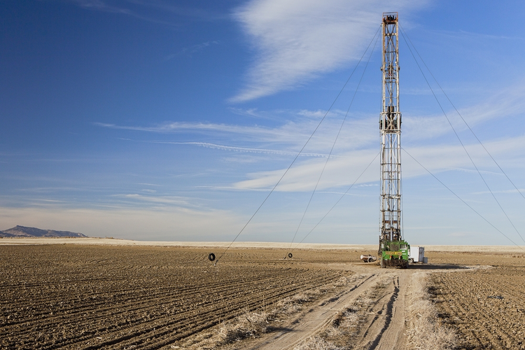 Fracking Drives Oil, Natural Gas Growth