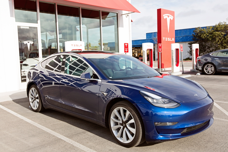 Tesla Admits to Pausing Model 3 Production