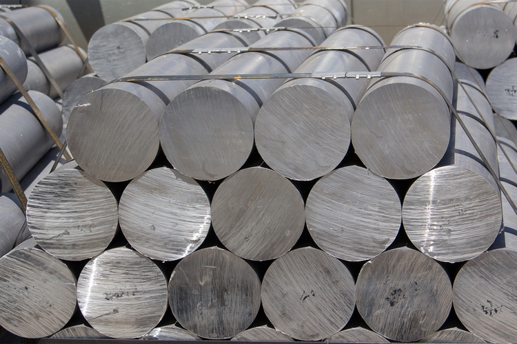 Metals Industry Watches as Tariff Deadline Approaches