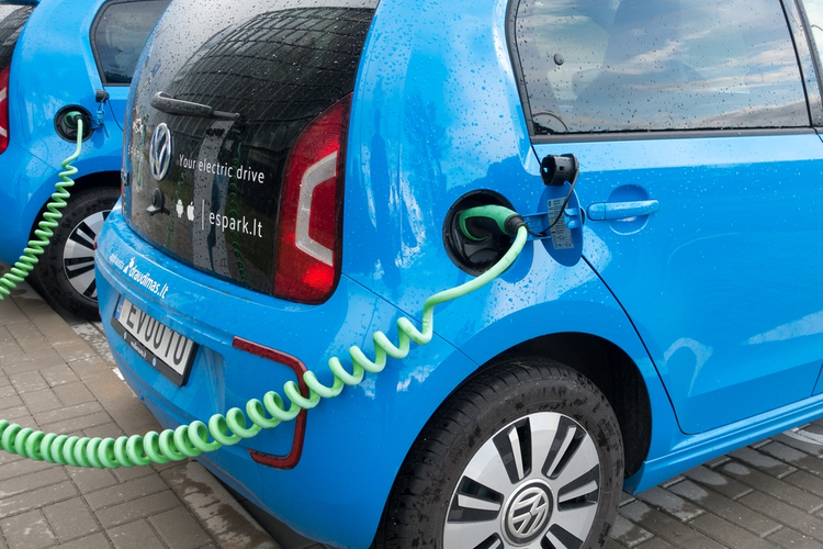 VW to Build Massive EV Network
