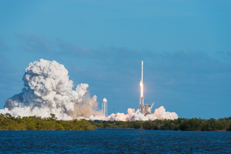 SpaceX Lands First DoD Contract