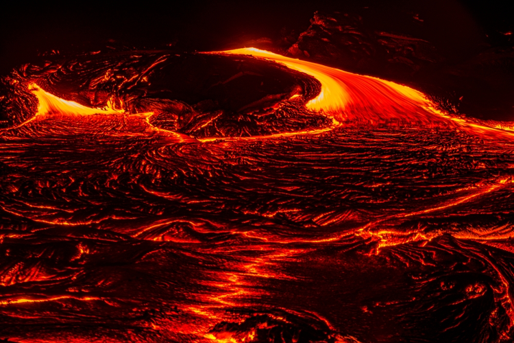 Lava advancing from Kilauea's 61g lava flow.